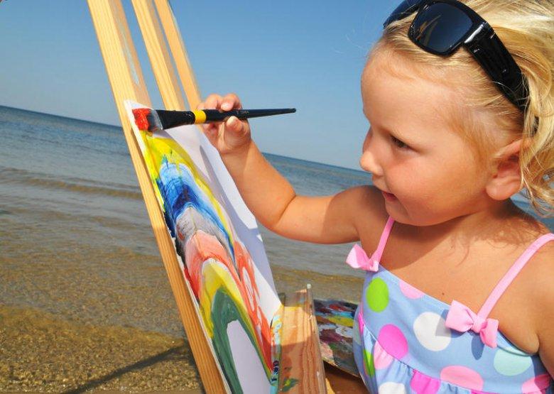 Детский рисунок: дополнительные детали