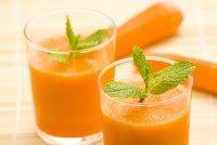 Смузи с морковью, лаймом и петрушкой