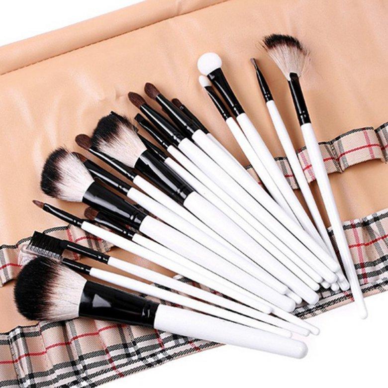 Как выбирать и пользоваться кистями для макияжа: 6 хитростей