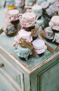 Подарки гостям на свадьбу: дарить или не дарить?