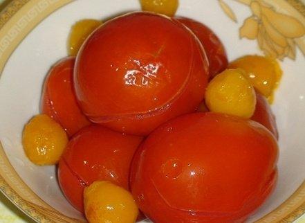 Консервированные без уксуса помидоры (с алычой)