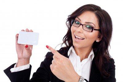 Как правильно вручать визитки