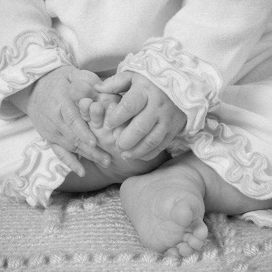 Как правильно стричь ребенку ногти