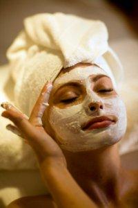 Маски против шелушения кожи