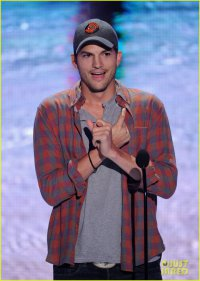 Эштон Кутчер раскрыл свое настоящее имя на Teen Choice Awards 2013