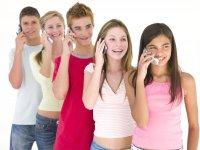 Когда покупать мобильный телефон подростку?