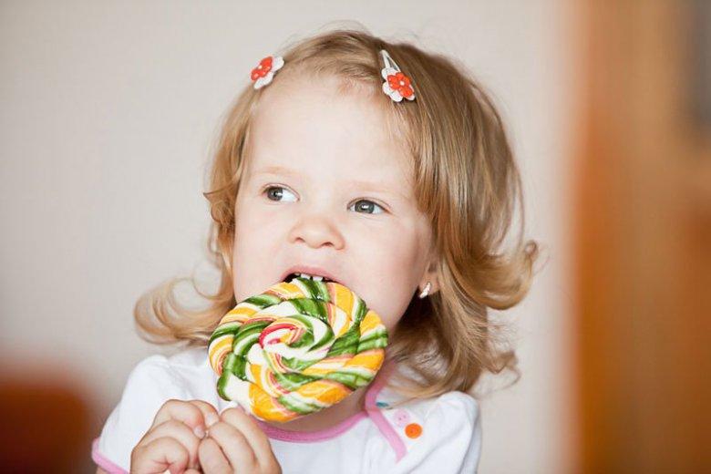 Какие сладости и когда можно давать ребенку?