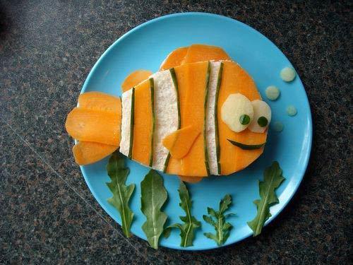 Пример завтрака для ребенка: бутерброд-рыбка
