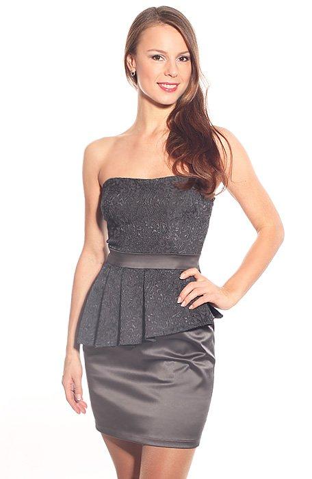 Платье с асимметричной баской