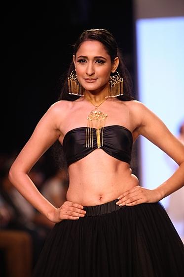 Индийская неделя ювелирной моды IIJS-2013: Pallavi Foley