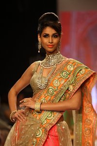 Индийская неделя ювелирной моды IIJS-2013: Saboo Jewels