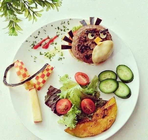 Детский завтрак: ешь быстрее, чтобы завтрак не улетел