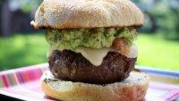 Сочный бургер с гуакамоле