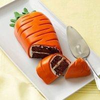 Идея для украшения торта: морковка