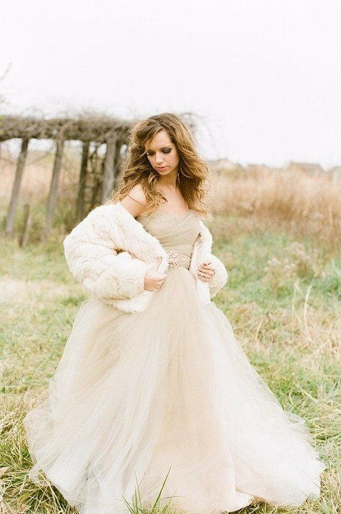 Альтернатива белому свадебному платью