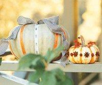 Тыква на Хэллоуин: бантики и цветы