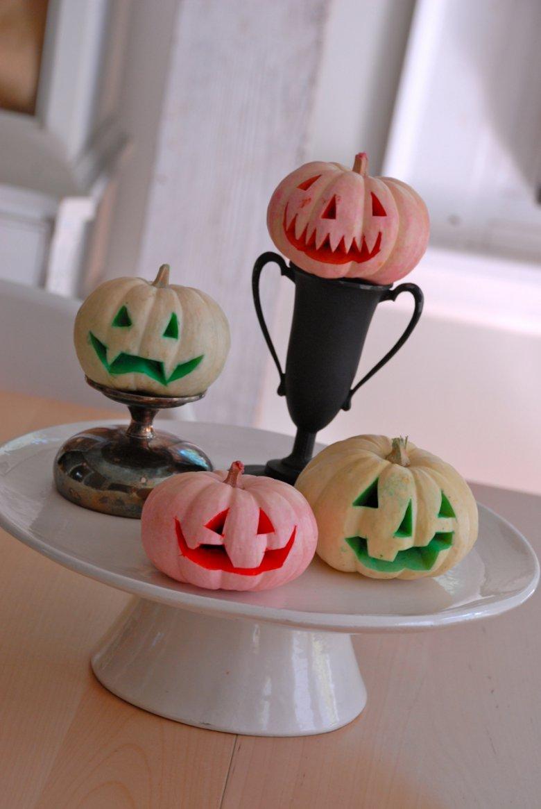 Крашеные тыквы на Хэллоуин