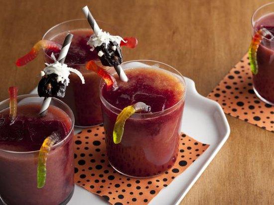 Конкурсы на Хэллоуин: выпей кровушки