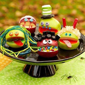 Яблочные монстры на Хэллоуин
