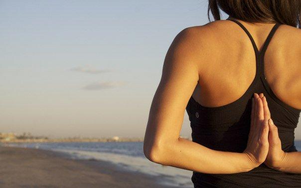 Как улучшить осанку при помощи йоги?