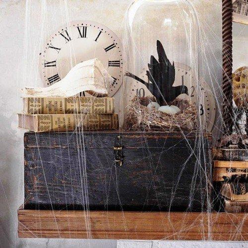 Дом в паутине к Хэллоуину