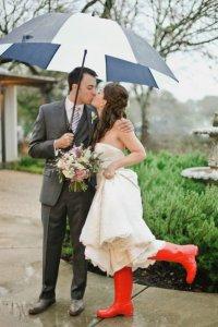 Резиновые сапоги для образа невесты