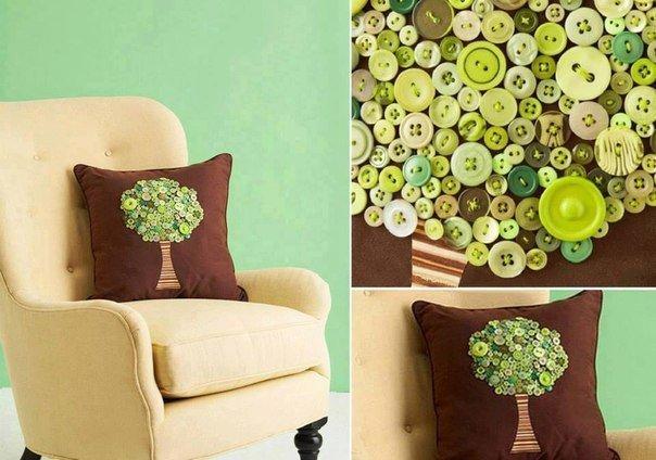 Декор подушки пуговичками