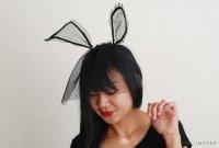 Простой костюм на Хэллоуин: кролик в трауре