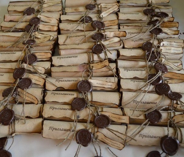 В духе Средневековья: оригинальные приглашения на свадьбу