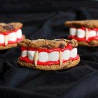 Печенье на Хэллоуин: «Протезы Дракулы»