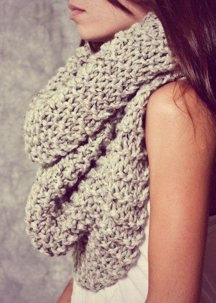 С чем носить шарф-хомут?
