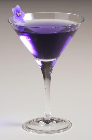Напитки на Хэллоуин: «Летающий фиолетовый»