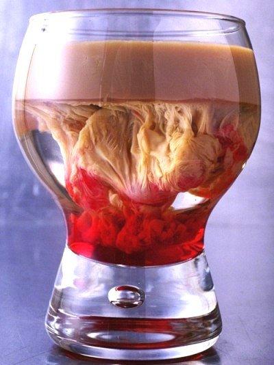 Коктейль «Кровавый мозг» на Хэллоуин