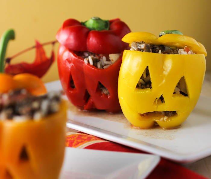 Блюда на Хэллоуин: фаршированный перец