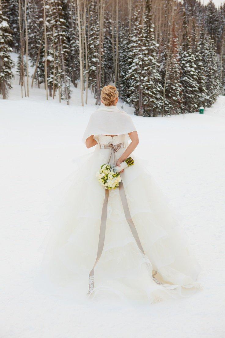Почему стоит играть свадьбу зимой?