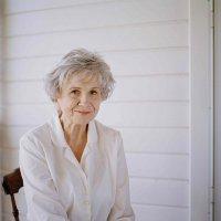 Канадская писательница получила Нобелевскую премию