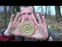 Как открыть консервную банку голыми руками