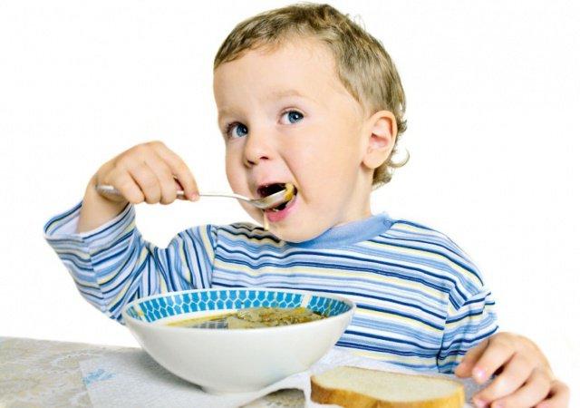 Если ребенок не хочет есть первое...