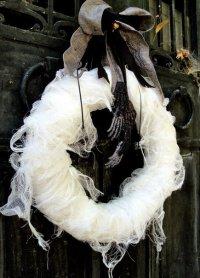 Устрашающий венок на Хэллоуин своими руками