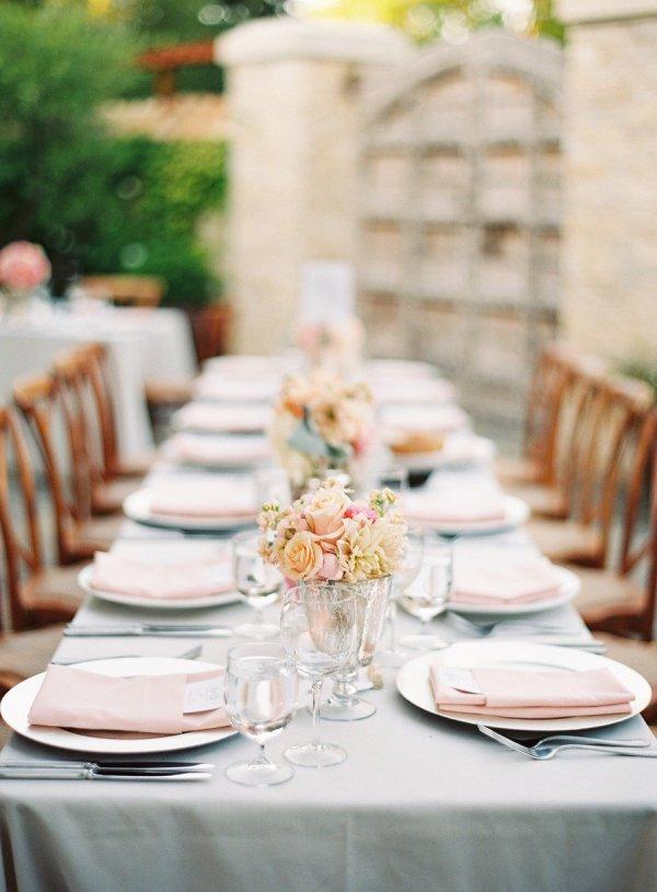 Сервировка свадебного стола: расставляем посуду