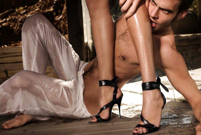 Как заставить мужчину ревновать: тайный поклонник