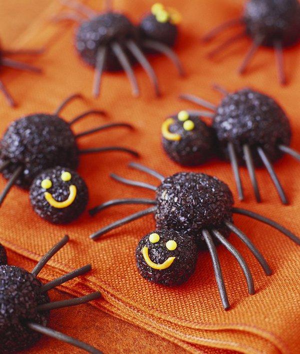Десерт на Хэллоуин: конфеты «Паучки»
