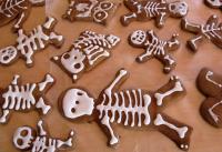 Простое печенье-скелеты на Хэллоуин