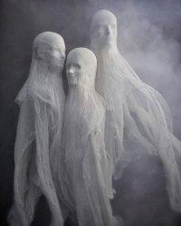 Страшные привидения на Хэллоуин
