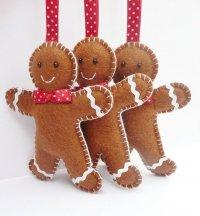 Фетровые игрушки пряничные человечки на елку
