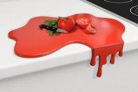 Разделочная доска в виде лужи крови
