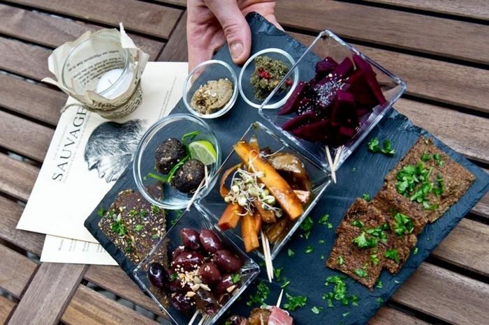 Первобытная еда в ресторане Sauvage (Берлин)