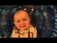 Мамина песня довела 10-месячного ребенка до слез
