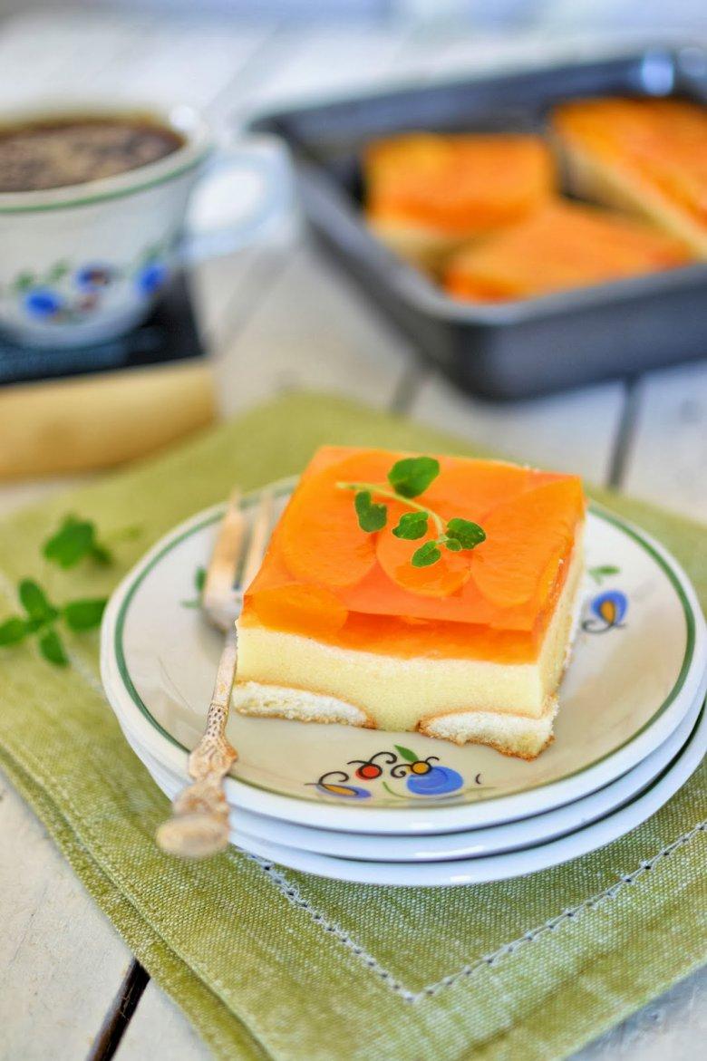 Двухслойный десерт из манной каши