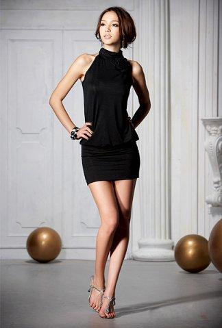 Чем дополнить маленькое черное платье